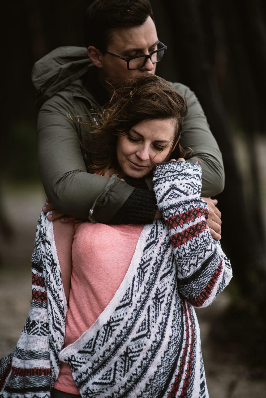 Pora priešvestuvinės fotosesijos metu prie Olando Kepurės