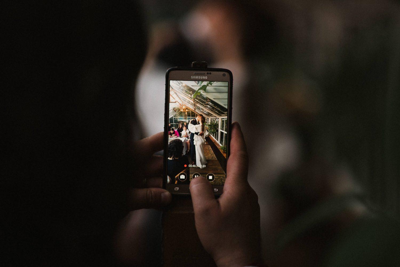 Panama Food Garden vestuvės, pirmasis jaunųjų šokis jaukiai apšviestame šiltnamyje