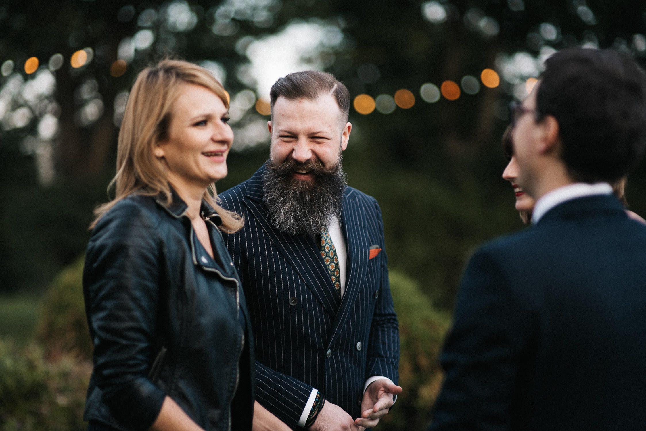 Kristinos ir Raimondo vestuvių liudininkai sveikina jaunuosius