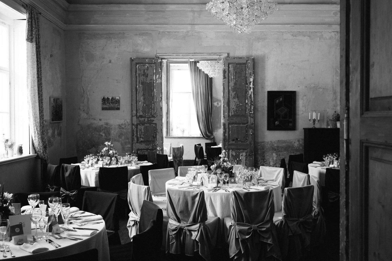 Ramios, jaukios, intymios vestuvės artimiausių žmonių rate nuostabiai atitinka Jakiškių dvaro kuriamą atmosferą