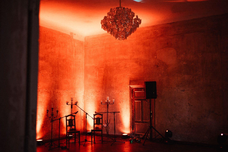 Neįtikėtinai kerinti dvaro atmosfera vestuvių vakarą. Jakiškių dvaro vestuvės